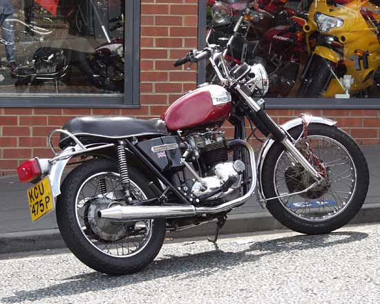 Triumph Bonneville, like the one I used to have