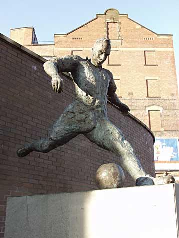 Footballer Milburn statue